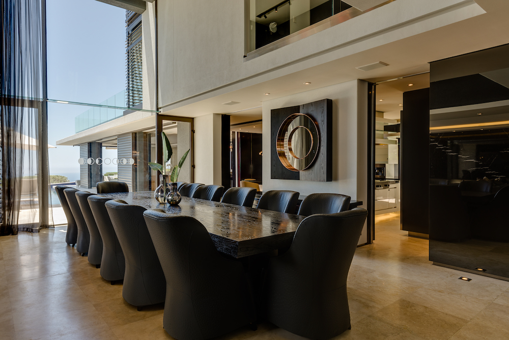 Luxury Moondance Villa in Fresnaye Cape Town