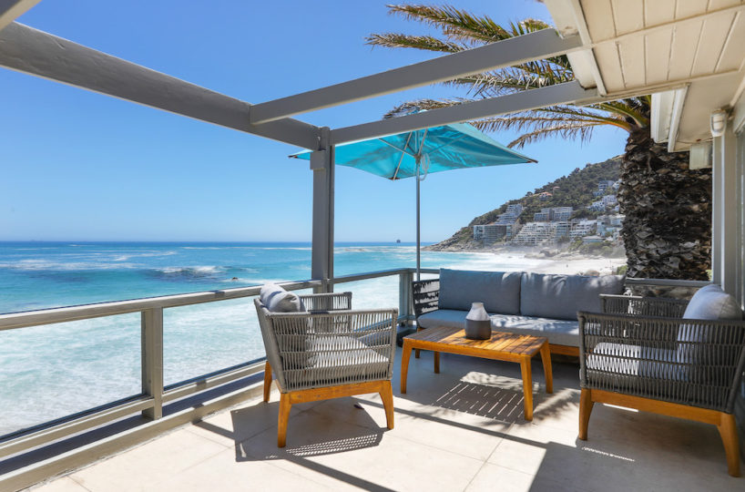 Clifton Beach House Entertainment Deck