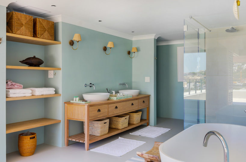 Beautiful large en-suite bathroom - beach house - Lladudno