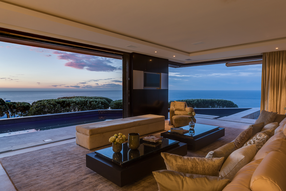 Luxury Private 4 bedroom villa Atlantic Seaboard - Cape Town