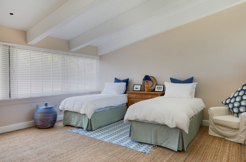Lladudno Beach Priavate Villa in Cape Town with Kids Bedrooms
